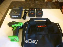 New Snap On 3/8 green 18 volt cordless impact wrench gun, charger & 2 batteries