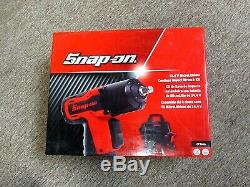 Snap-On 14.4 V 3/8 MicroLithium Cordless Impact Wrench Kit CT761A