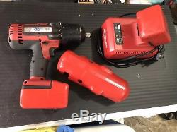 Snap-On 1/2 Drive Impact Wrench CT8850 18 V Cordless W\ Charger And 2 Batteries